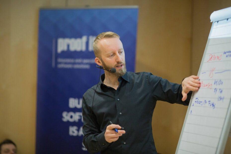 Peter Gfader runs a workshop